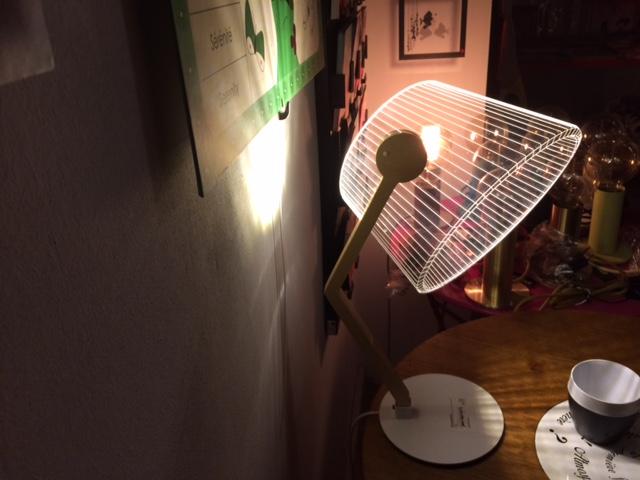 Entrez dans l'effet 3D avec nos Bulbings lamps