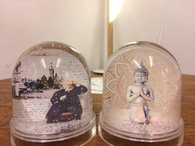 Des boules à neige diverses et variées