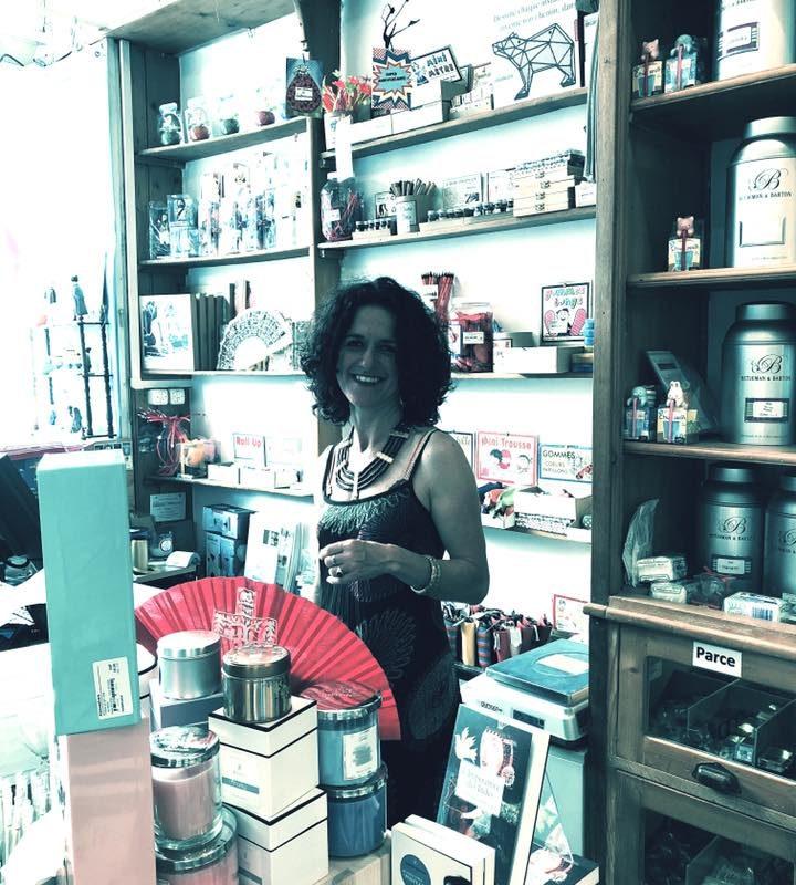 Mais qu'elle est belle cette Librairie !!! Merci Denis pour ces photos.